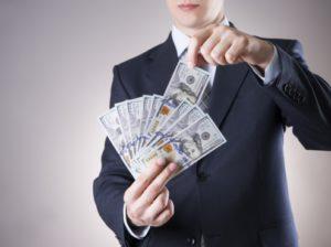 Как научиться зарабатывать деньги